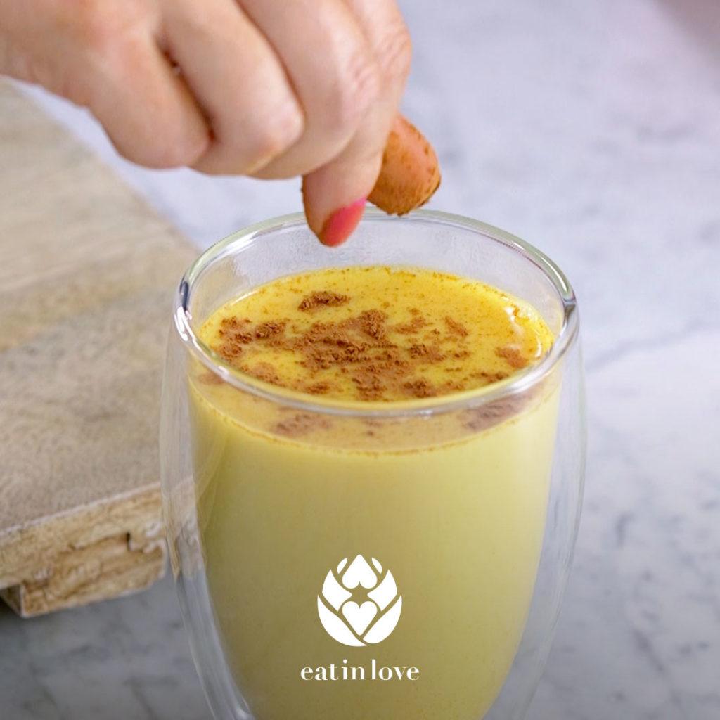 Turmeric-Chai-Latte-Recipe-Adding-Sprinkles
